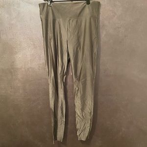 Forever 21 silver shiny workout leggings medium